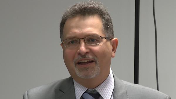 I Pomorskie Spotkanie Użytkowników systemu Siemens NX - część 2 - Prezentacja projektu badawczo-edukacyjnego Siemens Industry Software - prowadzi Ryszard Ostrowski.
