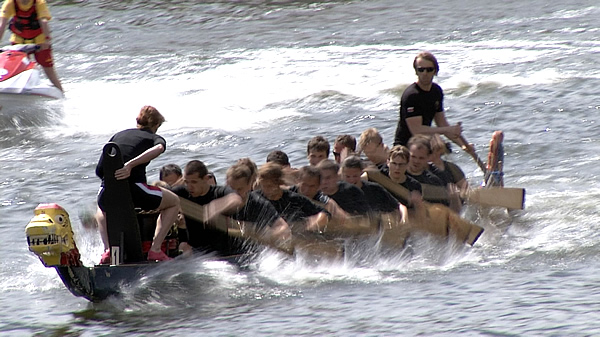 Wyścig smoczych łodzi gdańskich uczelni